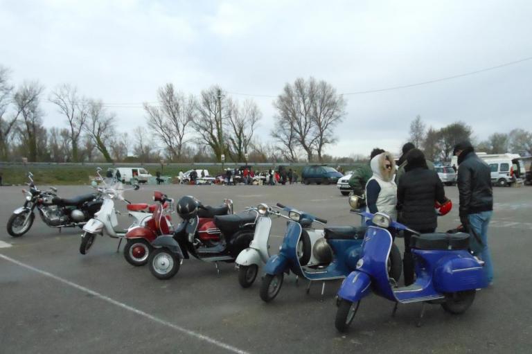 Visite du Vespa Club malgré le froid