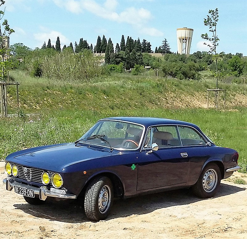 Alfa Romeo coupe Bertone 2000 1972 Guy P