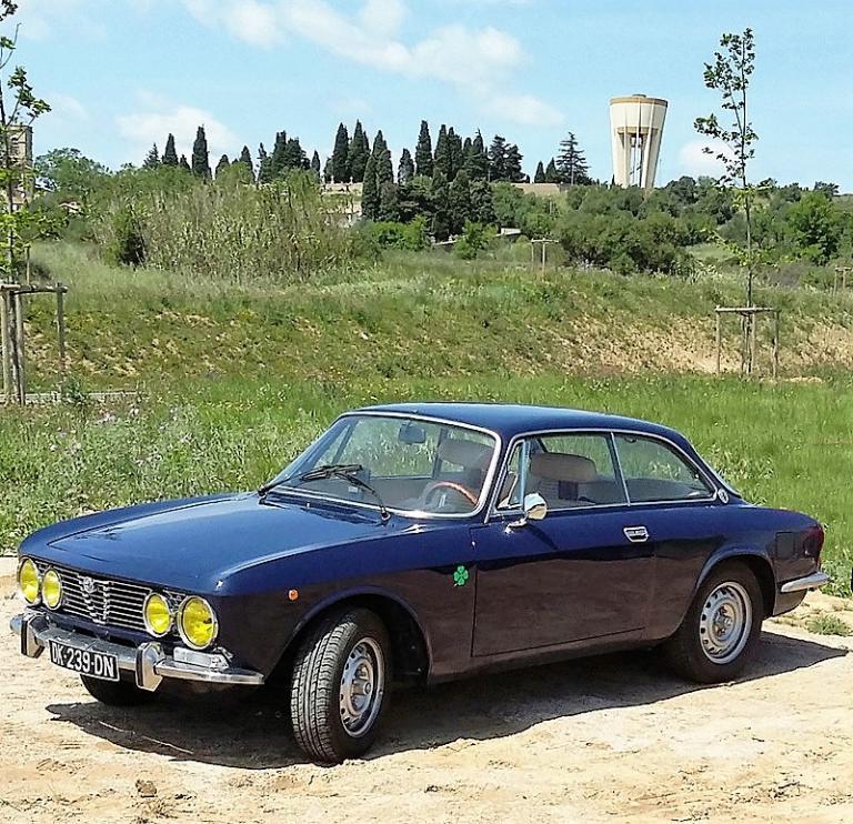 Alfa Romeo coupe Bertone 2000 1972 Guy P