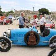 Remise du prix catégorie Sportives à la Bugatti 37